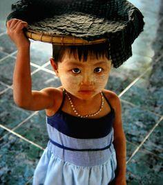 Little girl from Burma Kids Around The World, We Are The World, People Of The World, Laos, Beautiful World, Beautiful Eyes, Burma Myanmar, Mandalay, Beautiful Children
