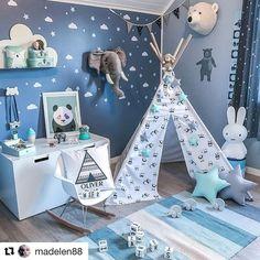 How amazing is this room!!! LOVE ❤️❤️❤️ #nursery #baby #decor #babyroom #babygear #modernnursery