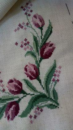 Embroidery On Kurtis, Kurti Embroidery Design, Cross Stitching, Cross Stitch Embroidery, Hand Embroidery, Cross Stitch Heart, Cross Stitch Flowers, Crochet Designs, Crochet Patterns