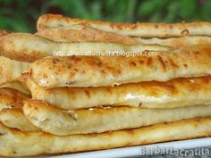 Saratele cu branza si chimen Brunch Recipes, Baby Food Recipes, Dessert Recipes, Cooking Recipes, Romanian Food, Healthy Eating Recipes, Breakfast Bowls, Snacks, International Recipes