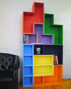 TetraMod 7 set of bookcases look like huge Tetris blocks. #tetris #bookshelf #bookcase