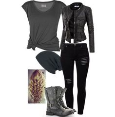 Pin de juliana de oliveira venzi em style rock in roll одежда, идеи наряда Teenage Outfits, Teen Fashion Outfits, Grunge Outfits, Winter Outfits, Scene Outfits, Zerfetzte Jeans, Looks Black, Fashion Mode, Rebel Fashion