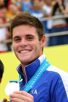 David Boudia has won six NCAA diving titles and is the first American diver to earn more than 600 points in six dives. Yeah, he's a perfect 10 in our eyes, too. Olympic Athletes, Olympic Sports, Hello Beautiful, Gorgeous Men, David Boudia, London Olympic Games, Raining Men, Attractive People, Team Usa