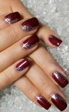 christmas nails 102 festive and easy christmas nail art designs you… Xmas Nails, Holiday Nails, Fun Nails, Sparkle Nails, Christmas Nails Glitter, Christmas Manicure, Purple Sparkle, Purple Art, Black Sparkle