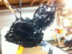 How to paint a Cafe Racer engine 3