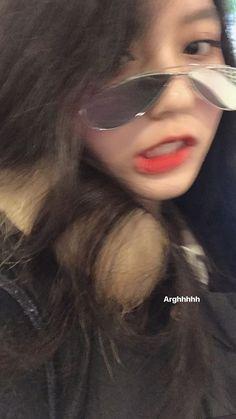 Tin • Instagram Korean Girl Photo, Cute Korean Girl, Asian Girl, Ullzang Girls, Cute Girls, Aesthetic Girl, Aesthetic Photo, Foto Casual, Ulzzang Korean Girl