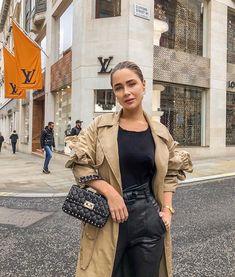 Valentino Rockstud Bag, Valentino Bags, Ugly To Pretty, Luxury Bags, Luxury Handbags, Purse Styles, Cloth Bags, Fashion Outfits, Womens Fashion