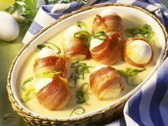 Schnell gekocht und schnell gegessen, ein echt leckerer Sattmacher: Bacon-Eier mit Senfsauce | http://eatsmarter.de/rezepte/bacon-eier-mit-senfsauce