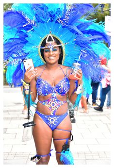 by Philip Notting Hill Carnival, Brazil Carnival, Carnival Outfits, London Street, Mardi Gras, Pin Up, Dancer, Tourism London, Costumes
