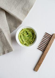 4 Tasty Avocado Recipes for Hair, Skin   Wrinkles | http://helloglow.co/food-face-4-diy-avocado-beauty-recipes/