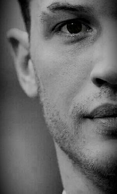 What does that mouth do!!  #tomhardy #thatmouththo