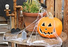 Warm weather in sunny Souther California didn't stop Denise Cortes of Pearmama from decorationg for Halloween. See her Halloween decorating ideas on The Home Depot Blog. || @pearmama