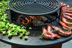 Wood Grill, Bbq Grill, Grilling, Barbacoa, Fire Cooking, Outdoor Cooking, Grilled Pizza, Fire Pit Designs, Bbq Area