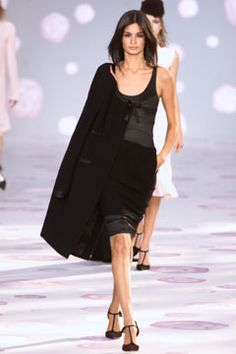 Chanel - Spring 2002 Couture - Look 15 of 38