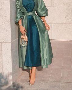 Street Hijab Fashion, Abaya Fashion, Muslim Fashion, Fashion Dresses, Niqab, Chic Outfits, Dress Outfits, Modesty Fashion, Abaya Designs