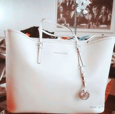 Enjoy Most Wonderful Life If You Buy Michael Kors Totes Here!