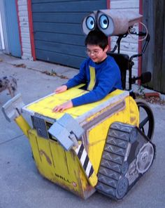 Wall-E, Costume for kids in wheelchairs.