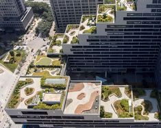 This building is covered in fully landscaped rooftop terraces garden architecture, garden buildings, office Rooftop Design, Rooftop Terrace, Terrace Garden, Rooftop Party, Rooftop Gardens, Terrace Design, Green Architecture, Landscape Architecture, Architecture Design