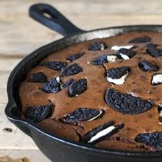 Bbq Desserts, Grilled Desserts, Camping Desserts, Health Desserts, Dessert Recipes, Camping Recipes, Kamado Bbq, Cast Iron Skillet Cooking, Oreo Brownies