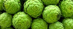 Artichoke: Large, grapefruit size green or brown pods Artichoke Flower, Spanish Food, Green Flowers, How To Stay Healthy, Vegetables, Valencia, Grapefruit, Pantone, Emerald