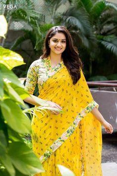 Indian Beautiful Actress Keerthy Suresh In Transparent Yellow Saree Beautiful Girl Indian, Most Beautiful Indian Actress, Beautiful Saree, Yellow Saree, Stylish Blouse Design, Elegant Saree, Saree Look, Fancy Sarees, Vestidos