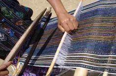 Beautiful weaving on a backstrap loom in Solola Guatemala, Education And Weaving Loom Diy, Inkle Loom, Tablet Weaving, Hand Weaving, Cricket Loom, Weaving Projects, Tapestry Weaving, Woven Fabric, Fiber Art