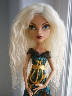"Pale Lemon Chiffon Blonde Mohair Fur Wig for Monster High/BJDs!  5.5"" Headsize!"
