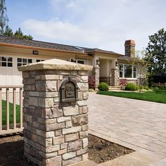 Stone Mailbox Design Ideas, Pictures, Remodel, and Decor Mailbox Landscaping, Stone Landscaping, Modern Landscaping, Landscaping Jobs, Traditional Landscape, Traditional House, Mailbox On House, Mailbox Garden, Craftsman Mailboxes