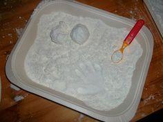 zaubersand 8 tassen mehl 1 tasse baby l und eine kiste magicsand 8 cups flour 1 cup. Black Bedroom Furniture Sets. Home Design Ideas