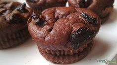 Csokipudingos muffin Puding, Muffin, Breakfast, Food, Muffins, Hoods, Meals, Cupcake, Cup Cakes