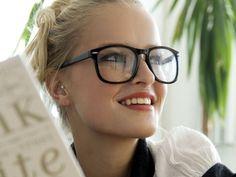 Usar lentes te ayuda a conseguir trabajo http://caracteres.mx/usar-lentes-te-ayuda-conseguir-trabajo/?Pinterest Caracteres+Mx