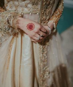 """♡♡♡♡♡♡ """"I remember the first day I ever looked into your eyes and fe… Mehndi Art Designs, Latest Mehndi Designs, Mehndi Designs For Hands, Desi Wedding Dresses, Indian Wedding Outfits, Bridal Outfits, Bridal Dresses, Cute Girl Poses, Cute Girl Pic"""