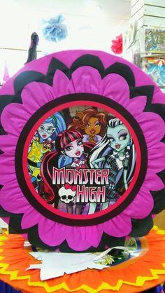 Piñata Mexicana de Monster High.
