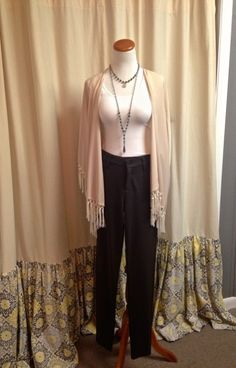 A great layered look provided by Southern Vintage Market. What to Wear to Events This Spring. Featuring Affordable Items! www.styleblueprint.com