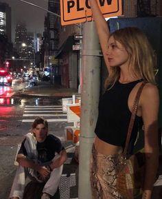 New York Life, Nyc Life, Urbane Fotografie, Fille Gangsta, City Vibe, City Aesthetic, Summer Aesthetic, Teenage Dream, Friend Goals