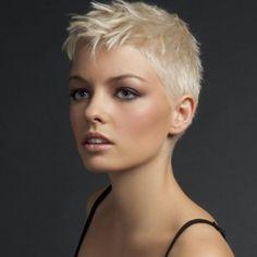Ga voor nog lichter haar! 10 frisse blonde korte modellen die jou echt laten stralen! - Kapsels voor haar