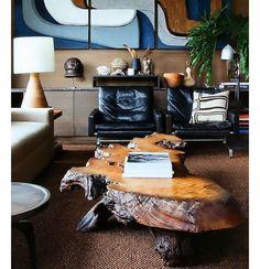 O destaque desta sala é a mesa de centro feita de um pedaço de tronco de árvore.  #wood #madeira #design #decoração #decor #home #homedecor #living #criatividade #reuse #upcycling #sustentabilidade #sustentável #interiorstyling #interiordesign #designdeinteriores #sala #decoração #decoration #casa by estiloefeito http://ift.tt/1qypx4n