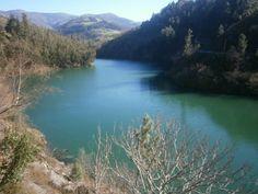 """Rio Navia con la """"Serra Das Grovas"""" al fondo... ¡La Asturias por descubrir!  Foto de Maritsa Solares en Soy d'Eilao y Orgullos@ d'Ello"""