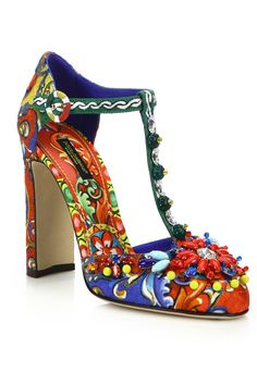 Spice up your look and wear these gorgeous vibrant t-strap #DolceGabbana pumps for a night out #10022Shoe