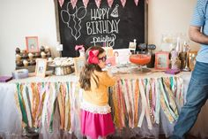 Paisley's Junie B. Jones Birthday Party from The Farm Girl Blog #juniebjones #birthday #party #birthdayparty http://farmgirlblogs.com/paisleys-junie-b-jones-party/