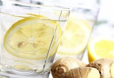 Juice of ginger, lemon, cucumber and mint for a flat stomach - Detox Drinks Healthy Chicken Recipes, Healthy Foods To Eat, Flat Stomach Tips, Cucumber Detox Water, Food Articles, Water Recipes, Lemon Water, Fresh Ginger, Ginger Drink