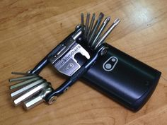 Prepper Product Reviews: Crank Brothers M-19 Multitool Review