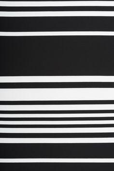 Tissu jersey à rayures noir et blanc.  #fabrics #tissus