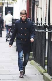 Resultado de imagen para hombres con jeans negro y botas marrones