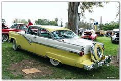1956 Fairlane Crown Vic Skyliner  :-{b>