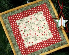 ideas patchwork christmas hot pads for 2019 Quilted Christmas Gifts, Quilted Gifts, Christmas Sewing, Christmas Projects, Christmas 2015, Christmas Ideas, Quilted Coasters, Quilted Potholders, Christmas Gift Decorations