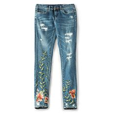 BLANKNYC Embroidered Skinny Jean ($91) ❤ liked on Polyvore featuring jeans, destructed jeans, torn jeans, blue skinny jeans, distressed jeans and embroidered jeans