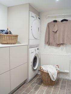 Bathroom Inspiration, Laundry Room, Washing Machine, Kitchen Decor, Sweet Home, New Homes, Home Appliances, House Design, Interior