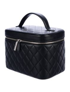 Today we are going to talk about cute Chanel Vanity case bag! Because box bags are getting trend every single day! And if you're a real Chanel.