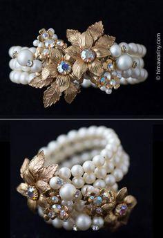 ゴールドフラワー三連パール・ブレスレット - アンティーク・ジュエリー&ヴィンテージ・アクセサリー、一点ものブローチの通販販売ストア Glass Jewelry, Pearl Jewelry, Jewelry Bracelets, Handmade Bracelets, Diamond Jewelry, Jewelry Crafts, Jewelery, Vintage Costume Jewelry, Vintage Costumes